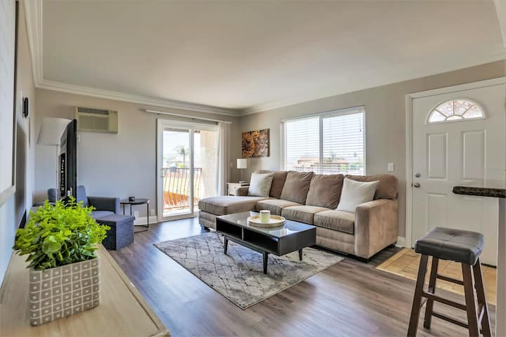 Luxury 2 Bedroom Unit in Gorgeous Gated Community