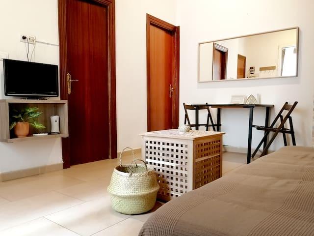 BONITO APARTAMENTO - CENTRO