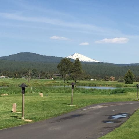 Next to Sunriver Lodge & Great Hall - SUNRIVER - Lejlighedskompleks