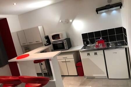 Appartement spacieux, chaleureux 39 m² proche CNPE