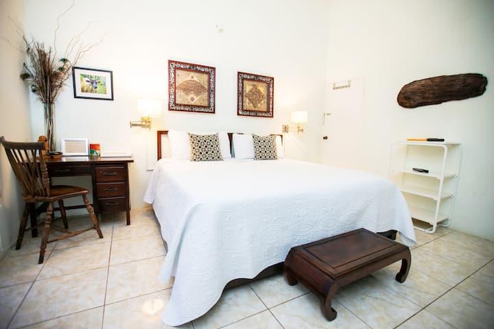 Casa da Buena Vista Superior Room |4 mins town/NCU