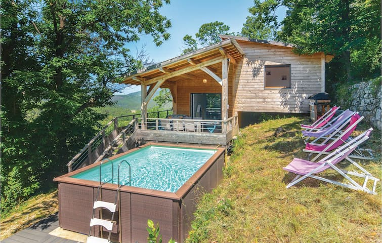 Holiday cottage with 3 bedrooms on 90m² in Bordezac