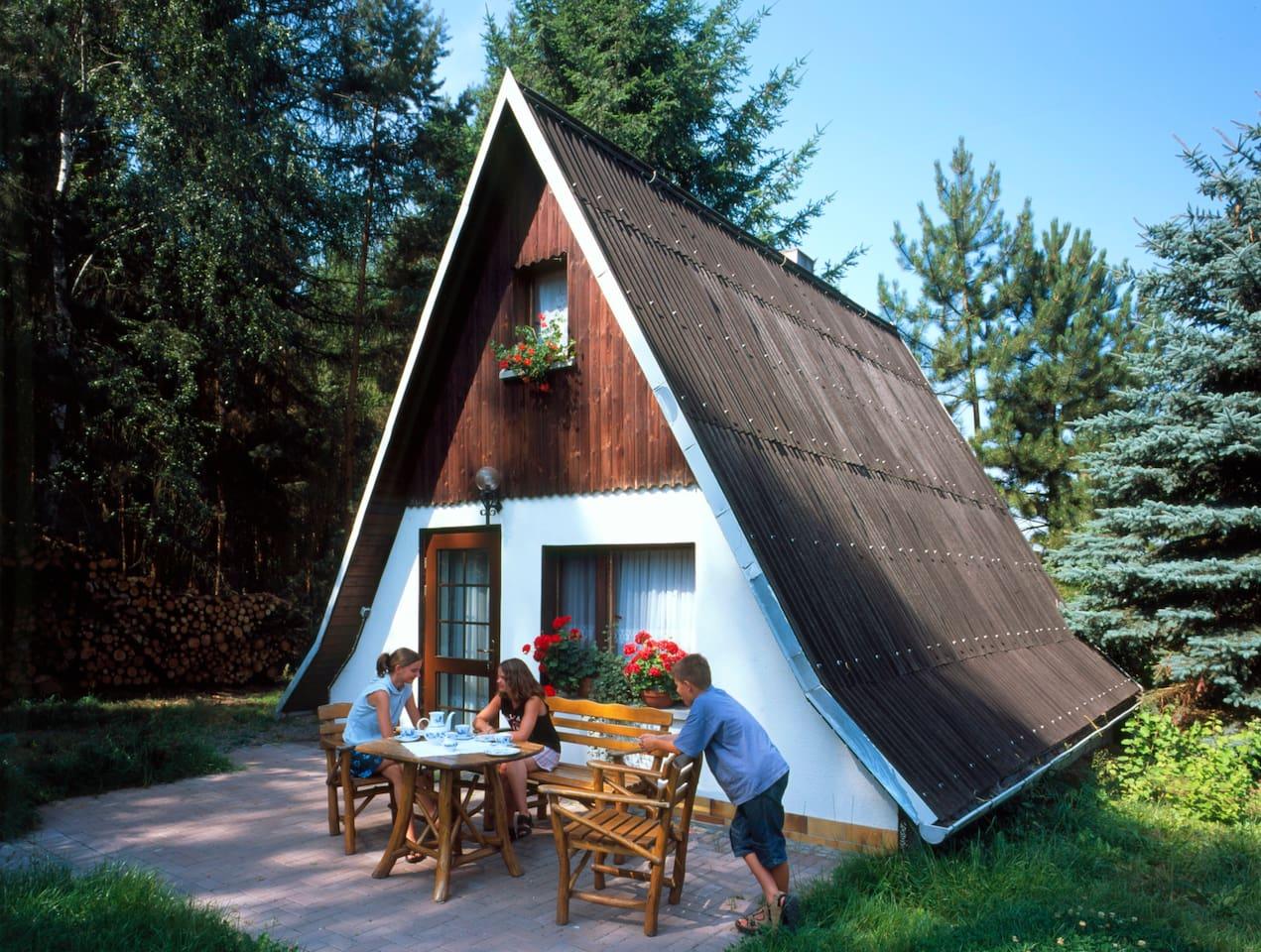 Finnhaus direkt am Waldrand mit großem Garten