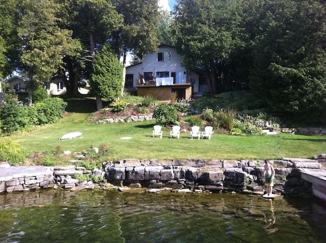 3 bedroom Waterfront  Cottage in the 1000 islands - Gananoque - Houten huisje