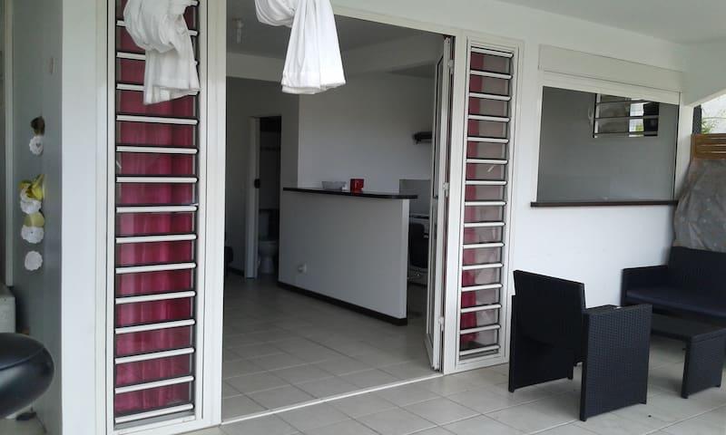 Appartement à Ducos centre de l'île