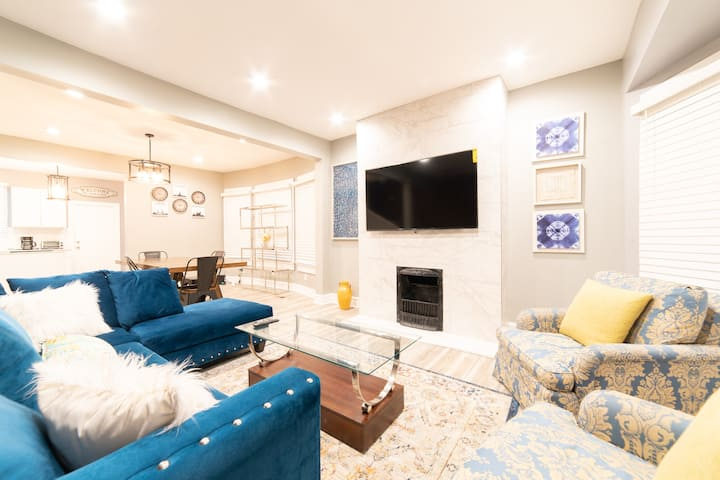 Luxe 5 bdr Townhouse near Downtown