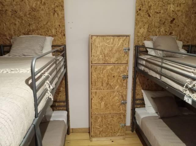 Single bed in Hostel