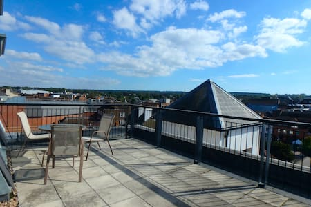 Penthouse apartment in central Epsom - Epsom - Apartamento