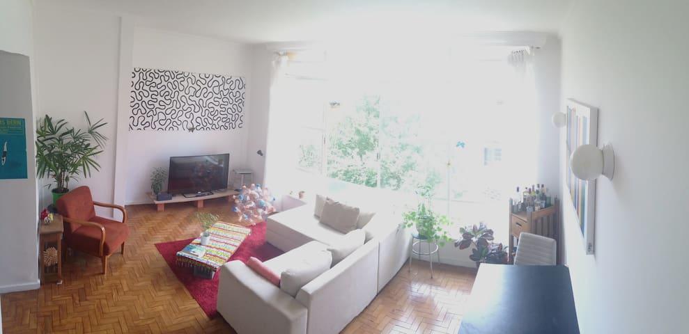 Otimo quarto calme, ao lado do Metrô Ana Rosa