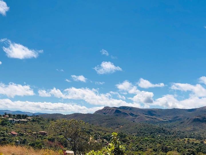 Casa com maravilhosa vista das montanhas