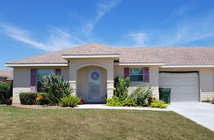 Beautiful Casita 2 bedroom 2 Bath Located at the SPI Golf Course