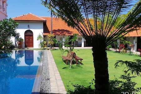 6 Bedroom Luxury Villa With Pool - Puttalam
