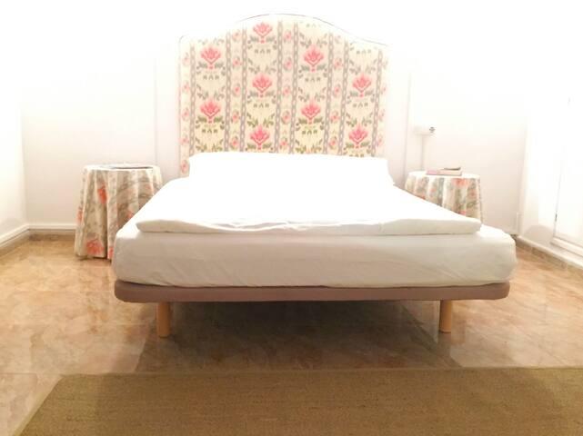 Zimmer in einem authentischen Dorfhaus - Muro - Hus