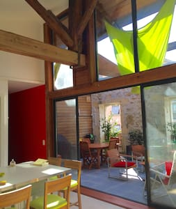 your room in a loft - Sète