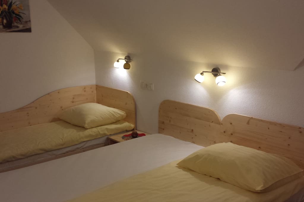 Double room with share bathroom chambres d 39 h tes louer cerklje na gorenjskem kranj slov nie - Chambre d hote ruoms ...