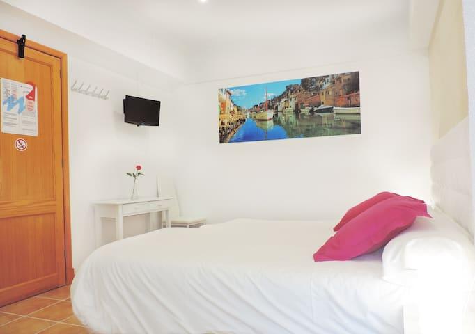 Marblau Hostel Single Room