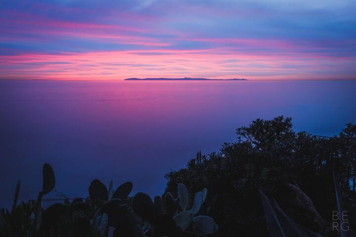 Balcony Qn - The Avalon Hotel Catalina Island