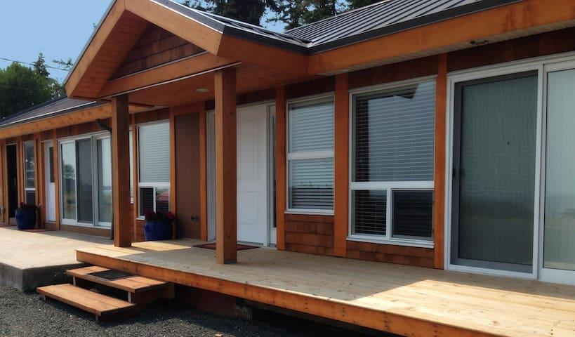Shelter Bay Resort Suite 1