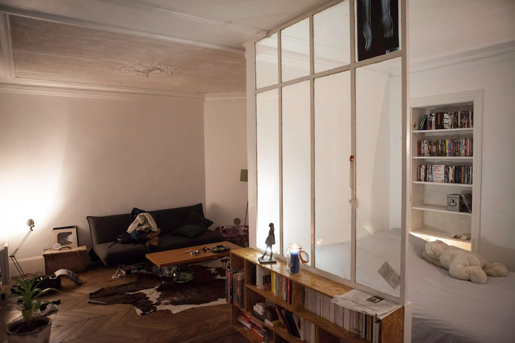 Appartement agr able balcon appartements louer for Appartement balcon paris