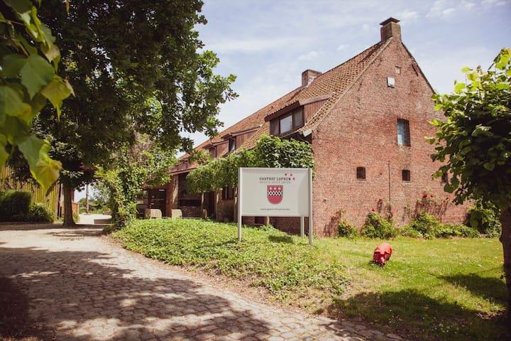 Woning Lapon, in een groene omgeving, rand Brugge