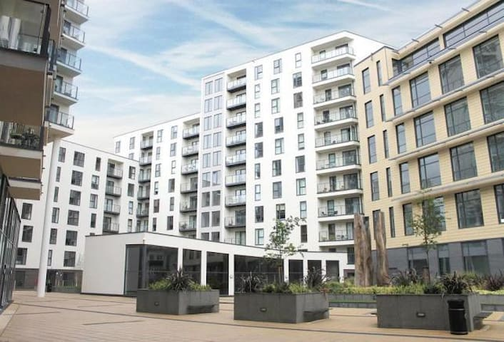 Woking - New Central ( One Bedroom apartment )