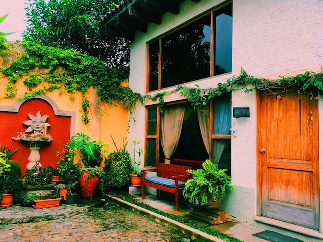 Comfortable apartment, Downtown Antigua! - Antigua Guatemala - Apartment