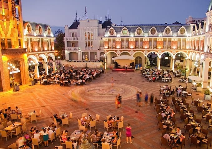 кафешки и ресторанчики на Пьяцце
