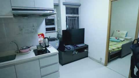 美孚新邨,1房1厅1卫,租期弹性,长租优惠,房间特大,拎包入住,环境安静