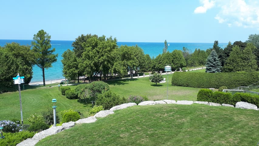 Lakeside Terrace in Kincardine (Lakefront )