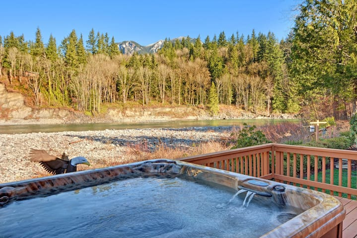NEW LISTING! Luxury mountain cabin with river access, private hot tub included!