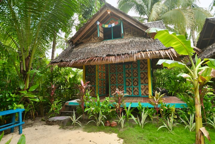 Native Bungalow In A Very Quiet Area Close To C9