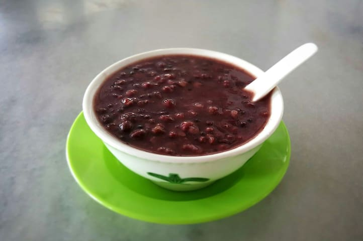 Our cafe own made red bean soup is served to our every guest.