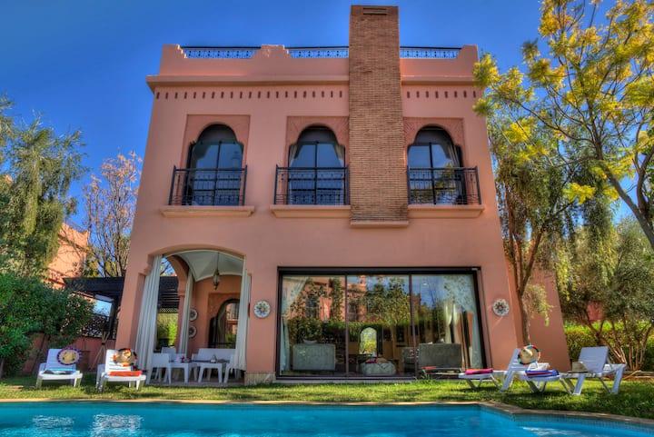 Villa Tilila luxurious with swimming pool