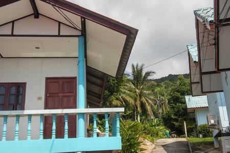 Seaview bungalow with fan