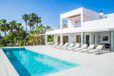 NEW VILLA AT THE DOOR OF IBIZA