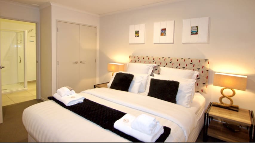 Generous bedroom, direct access through to well appointed bathroom