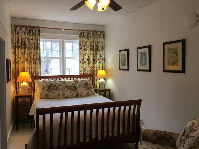 Queen Bedroom in  Village of Rosseau