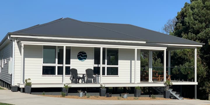 Tranquility on Milford - New 1 bedroom beach house