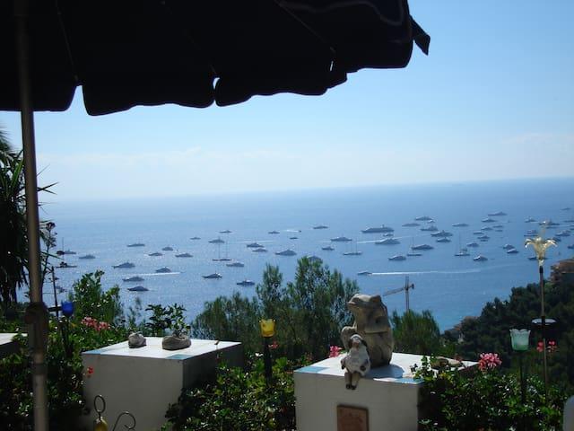 CASTEL D'INCZE -Wohnen über dem Meer bei Monaco