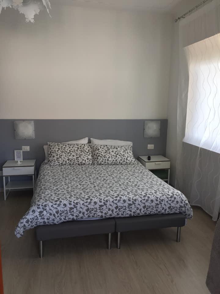 Elegante stanza in b&b in villa con giardino Arona