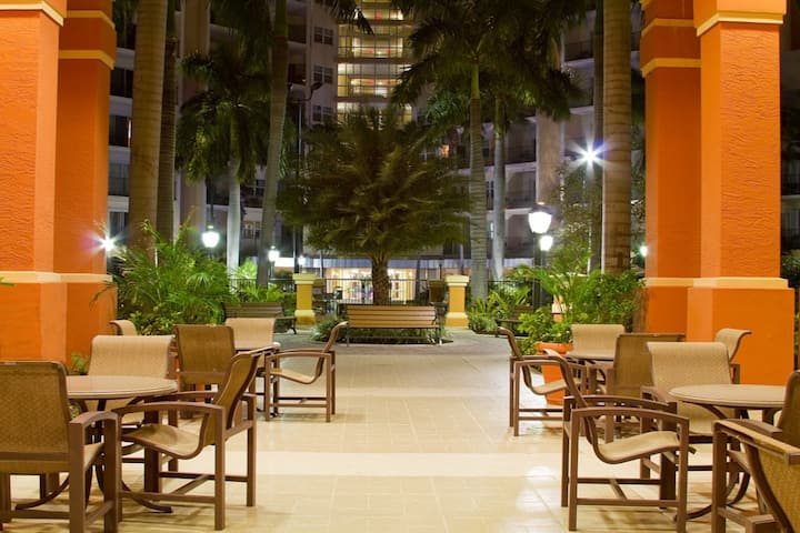 Wyndham Palm-Aire - Huge 1 Bedroom Condo