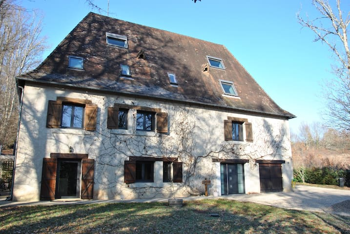 """House """"Les Vignes"""" ideally located - Champcevinel - Rumah"""