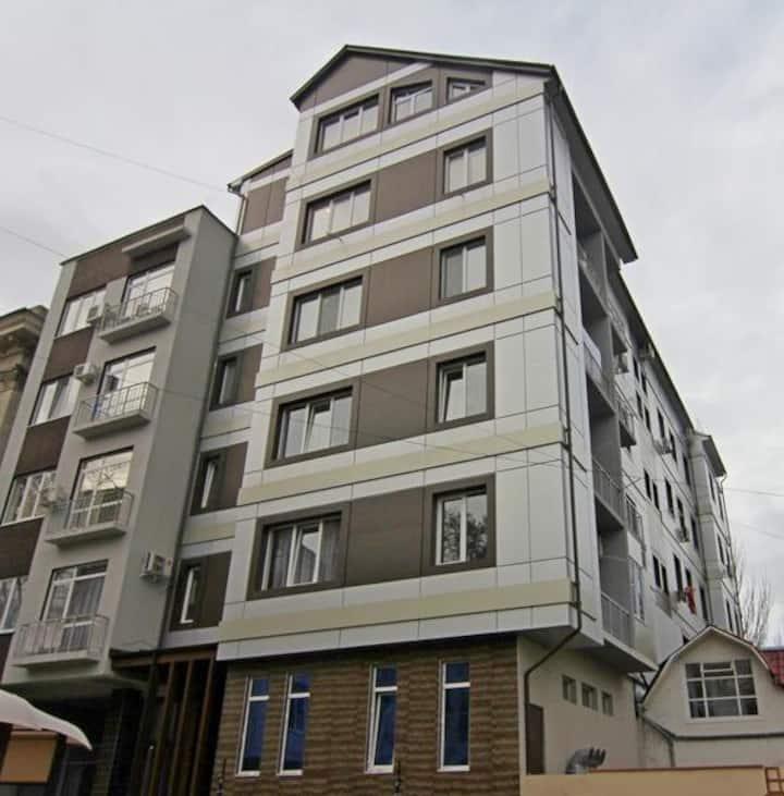 Чистая, большая 2к квартира в центе города