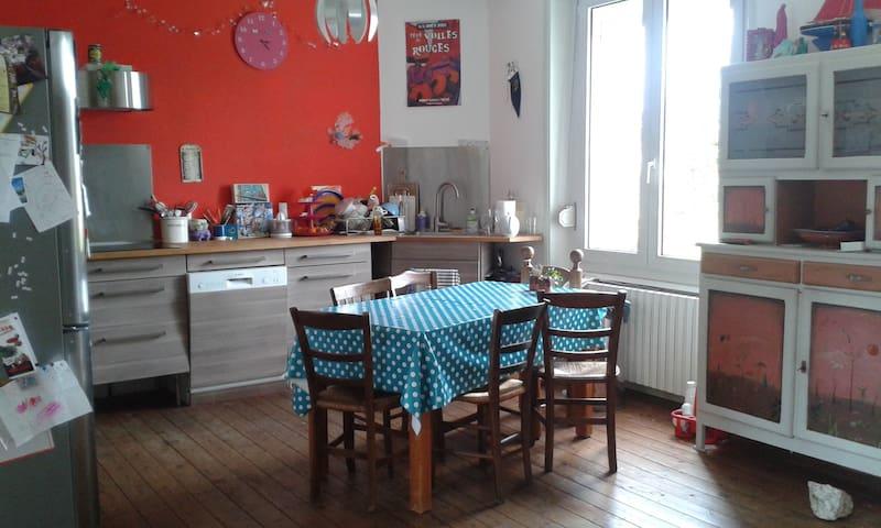 Warm little house in Auray, Gulf of Morbihan - Auray - House
