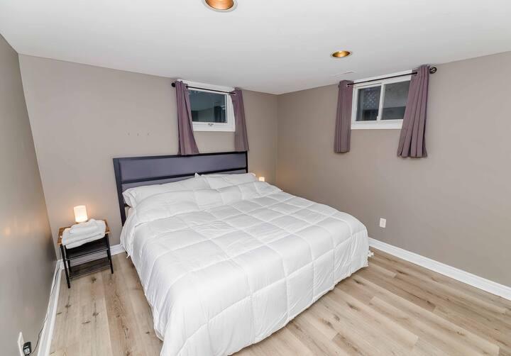 Luxury King Bed Suite- 3 Bedroom