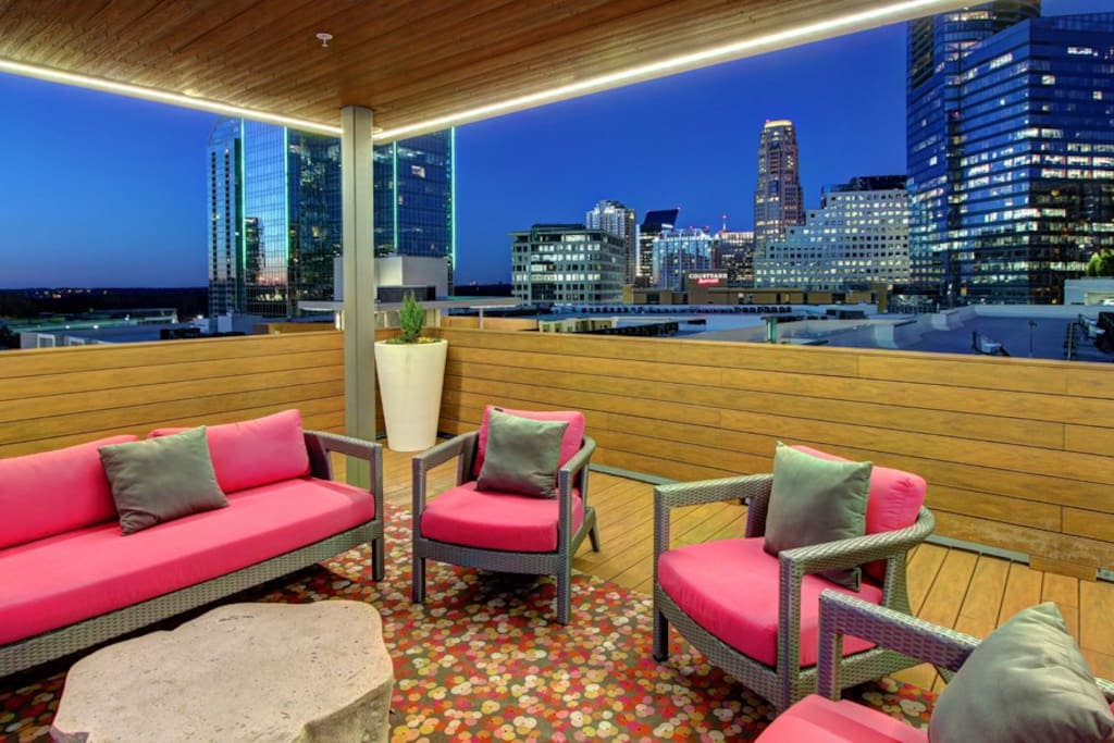 Awesome rooftop patio with great view of Buckhead