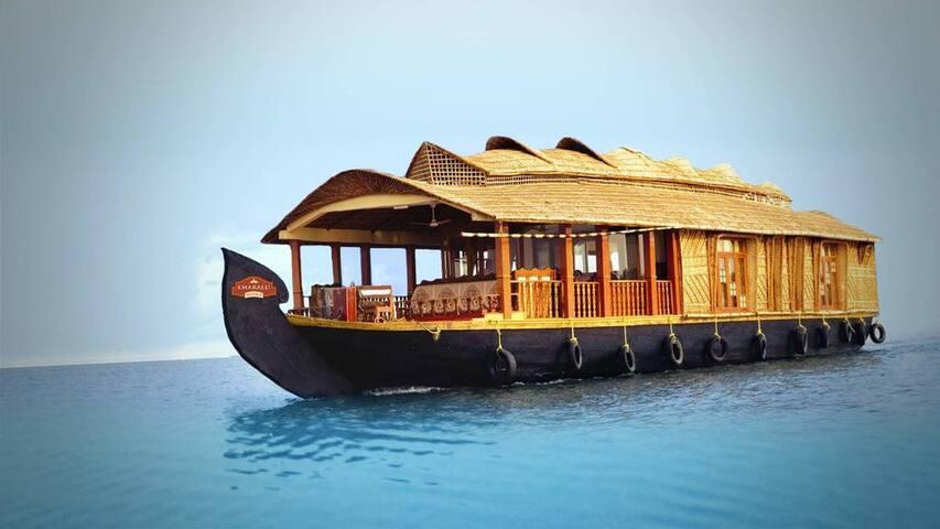 Nest Riverland - Kumarakom - 船