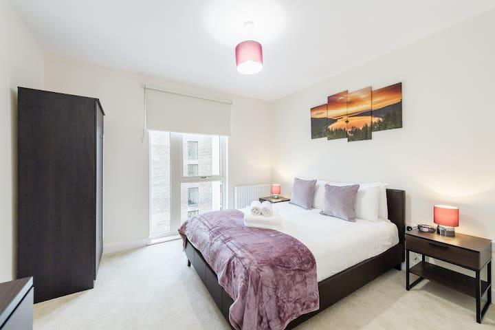 Colindale modern 2 bedroom