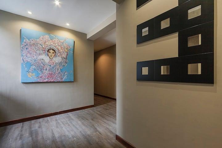 Cozy Small Studio Apartment Off Orchard (200 sqft)