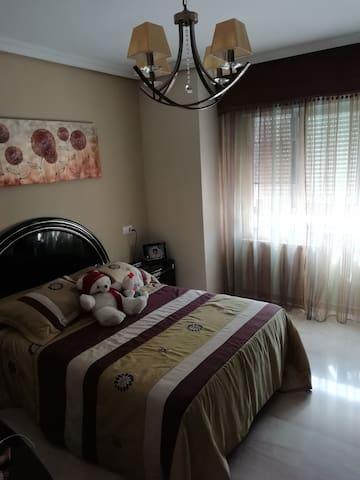 Estupendo dormitorio en Las Tablas, Madrid